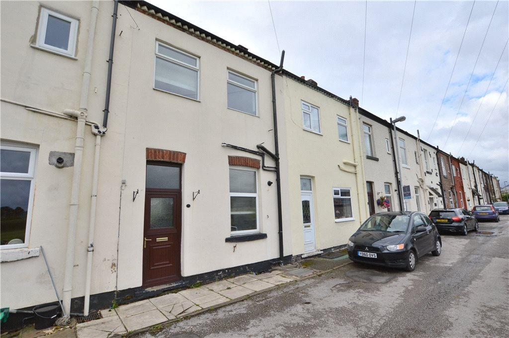 3 Bedrooms Terraced House for sale in Westfield View, Wakefield, West Yorkshire