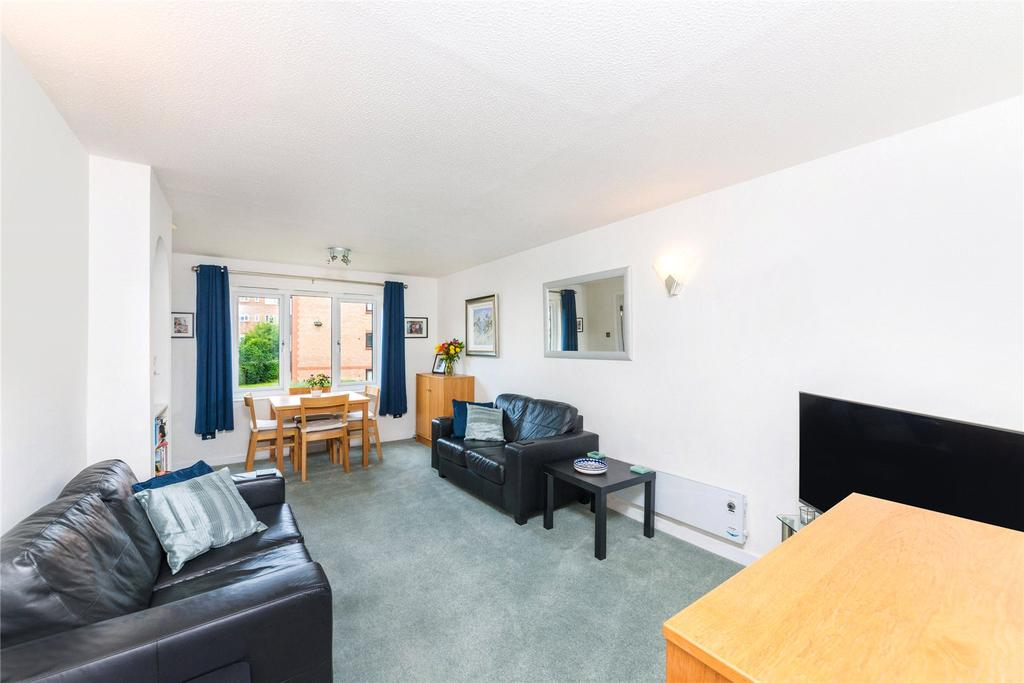 2 Bedrooms Flat for sale in Beaulieu Place, Rothschild Road, Chiswick, London