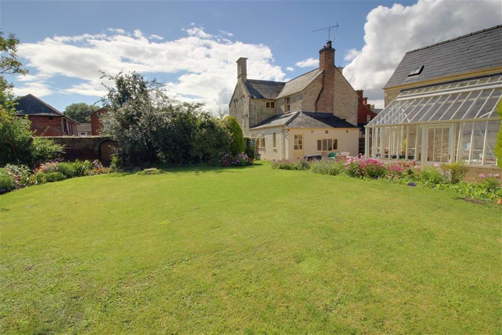 6 Bedrooms Semi Detached House for sale in High Street, Stonehouse, Gloucestershire