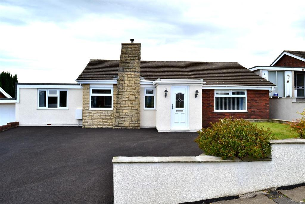 3 Bedrooms Detached Bungalow for sale in Hafan Y Don, Killay, Swansea