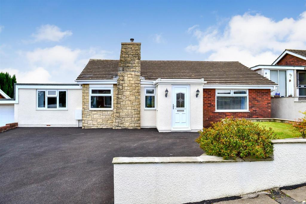3 Bedrooms Detached Bungalow for sale in Hafan Y Don, Killay, Swansea