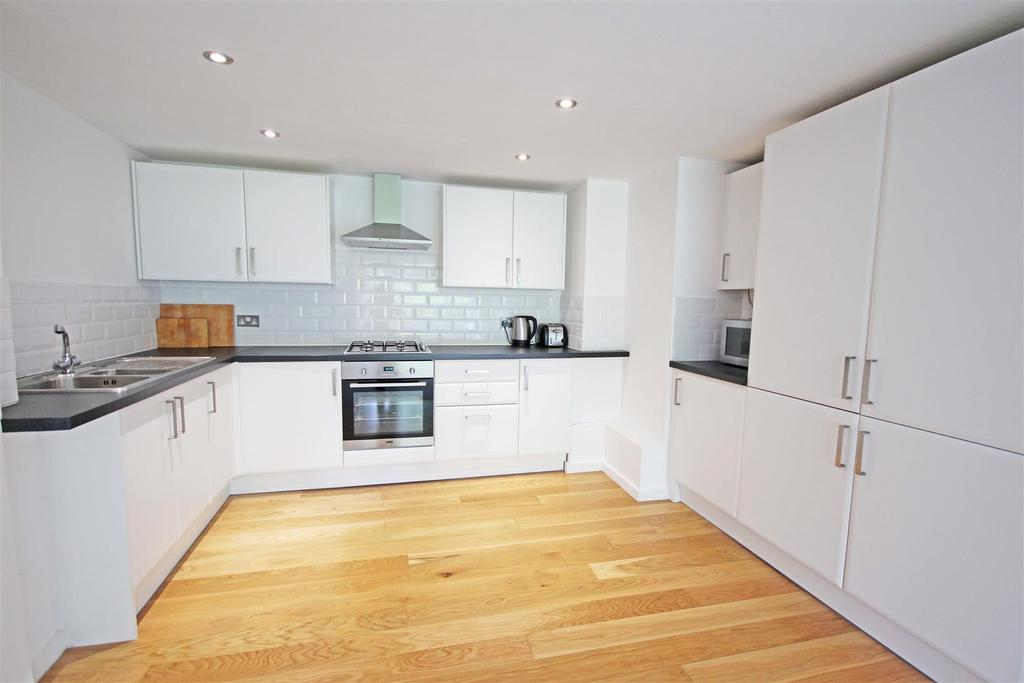 1 Bedroom Flat for sale in London Road, Patcham, Brighton