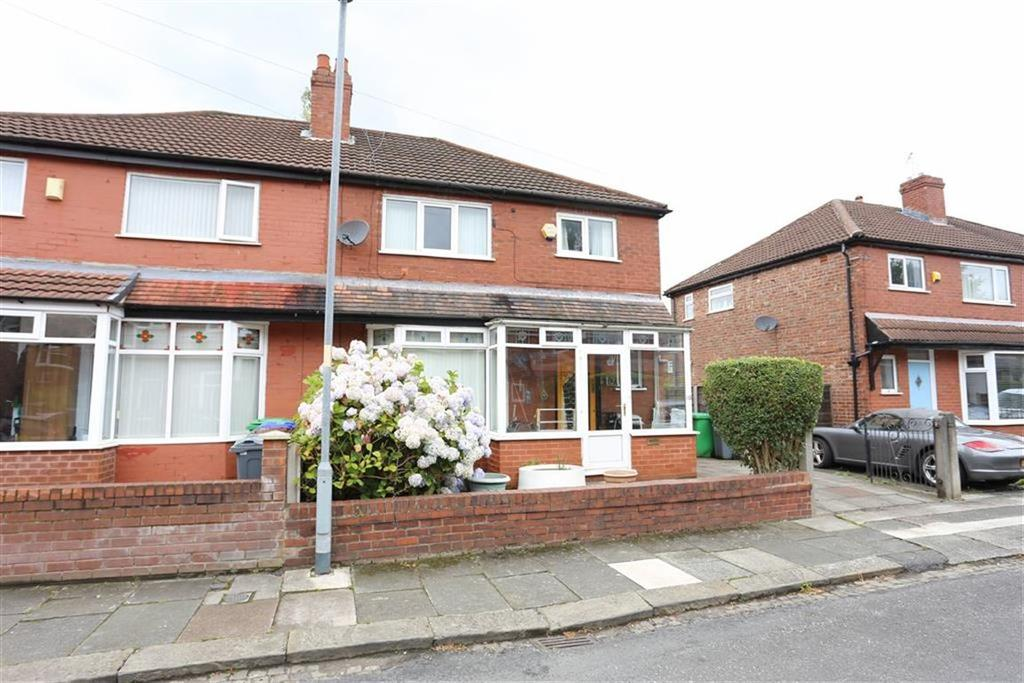 3 Bedrooms Semi Detached House for sale in Austin Drive, Didsbury, Manchester