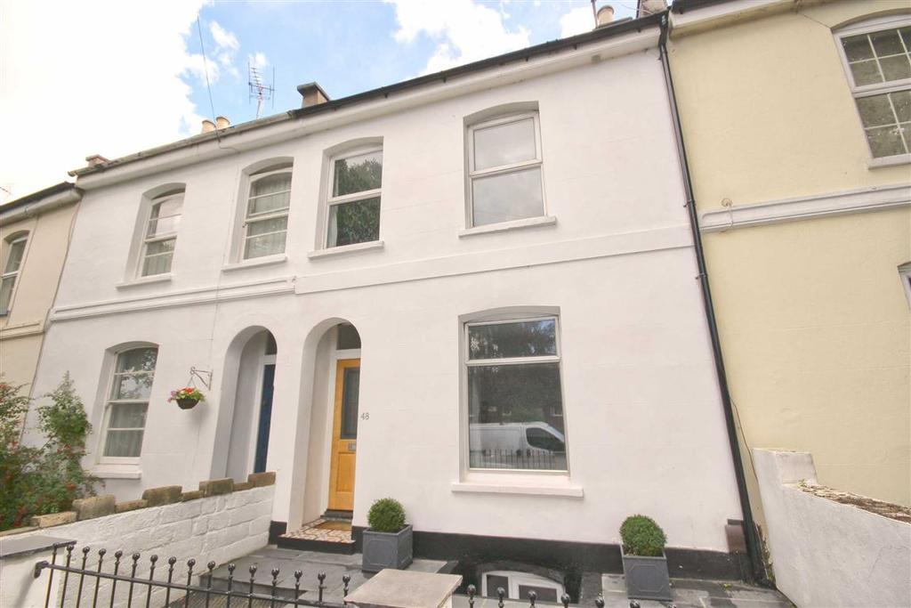 2 Bedrooms Terraced House for sale in Gloucester Road, Near Train Station, Cheltenham, GL51