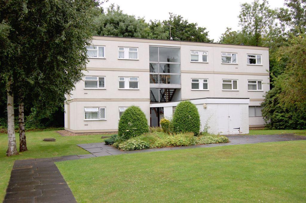 1 Bedroom Flat for sale in Hornbeam Road, Buckhurst Hill, IG9