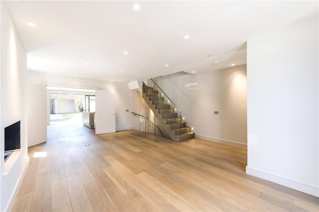 5 Bedrooms House for sale in Charles Baker Place, London, SW17