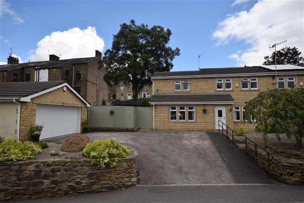 3 Bedrooms Semi Detached House for sale in Lowther Lane, Foulridge, Lancashire