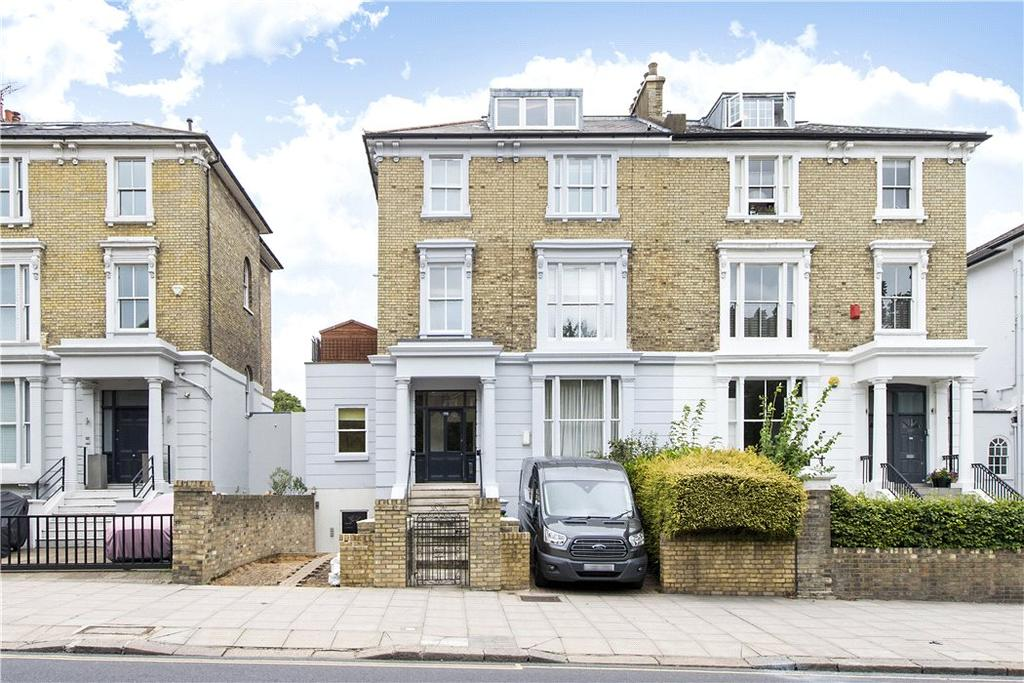 2 Bedrooms Flat for sale in Haverstock Hill, Belsize Park, London, NW3