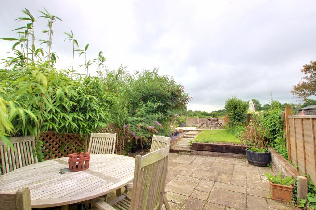 3 Bedrooms Terraced House for sale in Langstone
