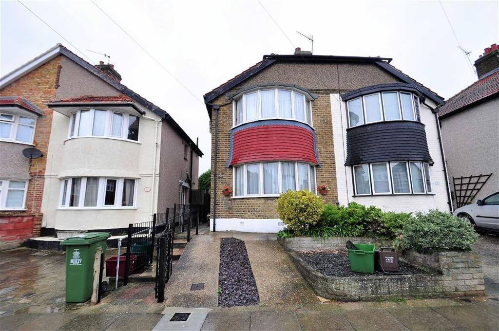 3 Bedrooms Semi Detached House for sale in Budleigh Crescent, Welling