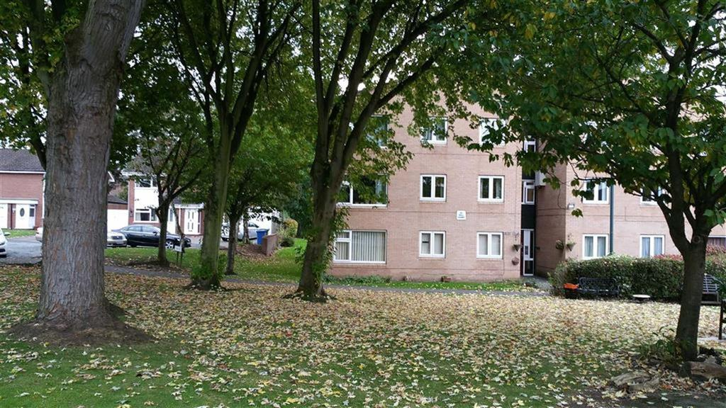 2 Bedrooms Apartment Flat for sale in Coniston Walk, Timperley, Cheshire, WA15