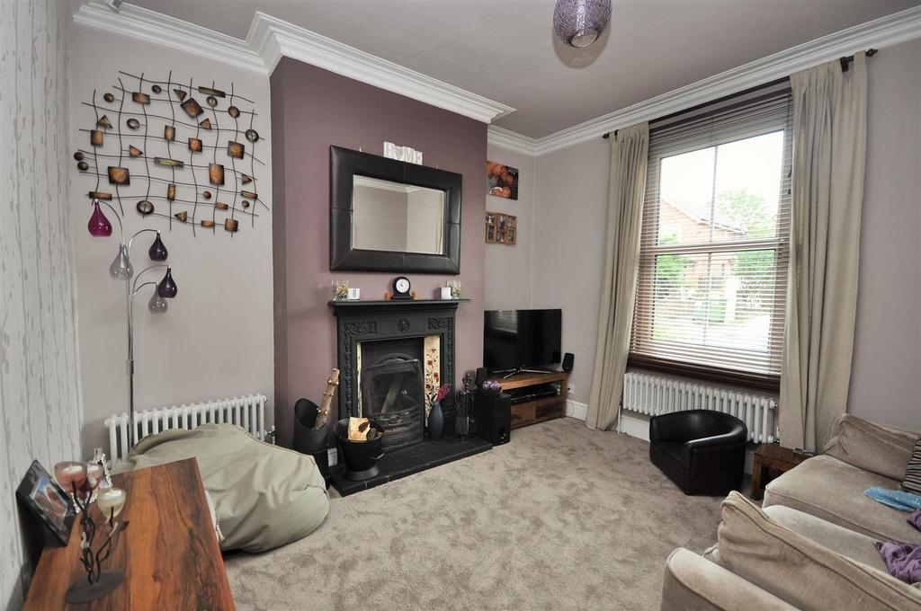 3 Bedrooms Terraced House for sale in Huntington Road, York, YO31 9BT