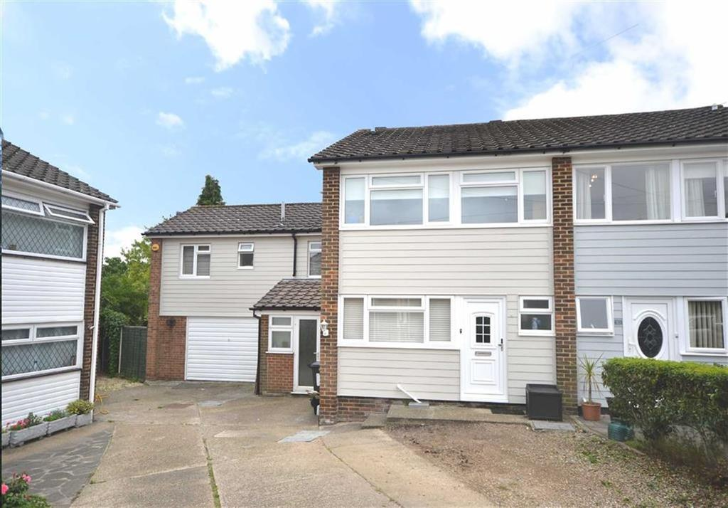 4 Bedrooms Semi Detached House for sale in Warren Field, Epping, Essex, CM16