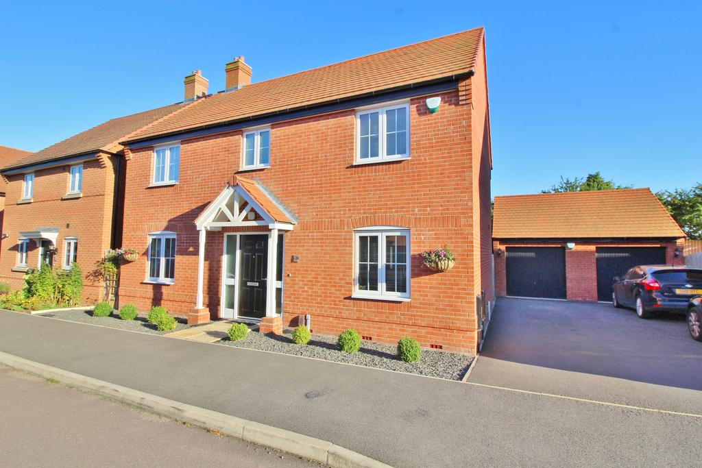 4 Bedrooms Detached House for sale in Starnhill Way, Bingham NG13