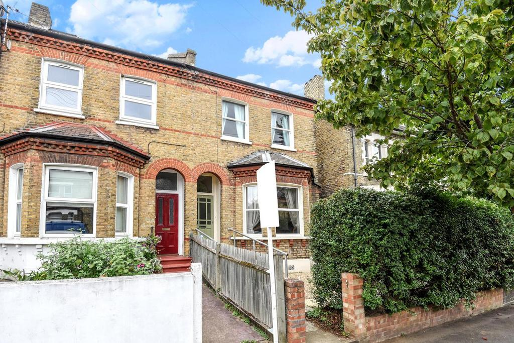 3 Bedrooms Semi Detached House for sale in Stodart Road, Penge