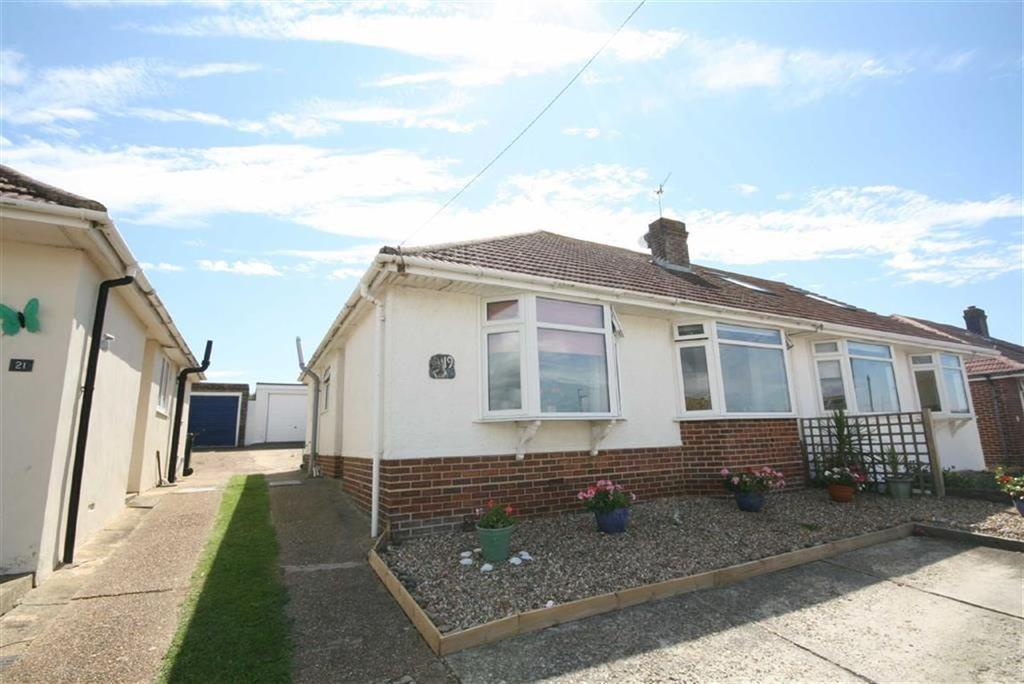 2 Bedrooms Semi Detached Bungalow for sale in Fairlight Avenue, Telscombe Cliffs