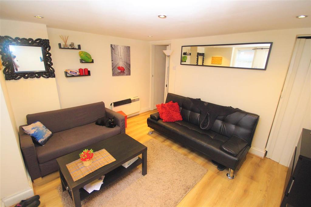 2 Bedrooms Apartment Flat for sale in Waylen Street, Reading