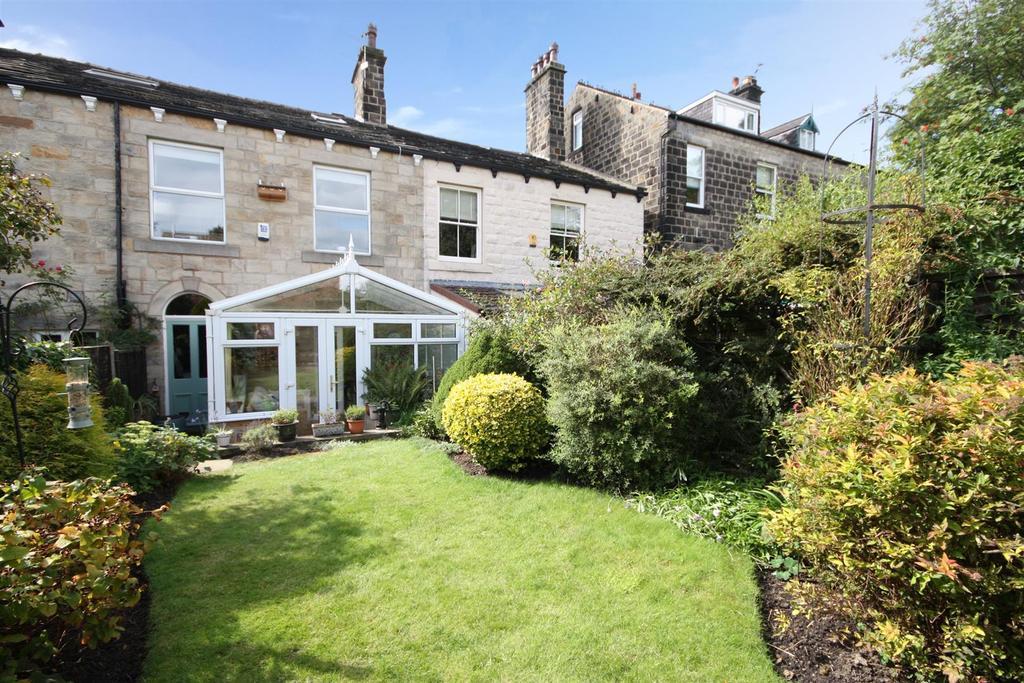 4 Bedrooms Terraced House for sale in Regent Road, Horsforth