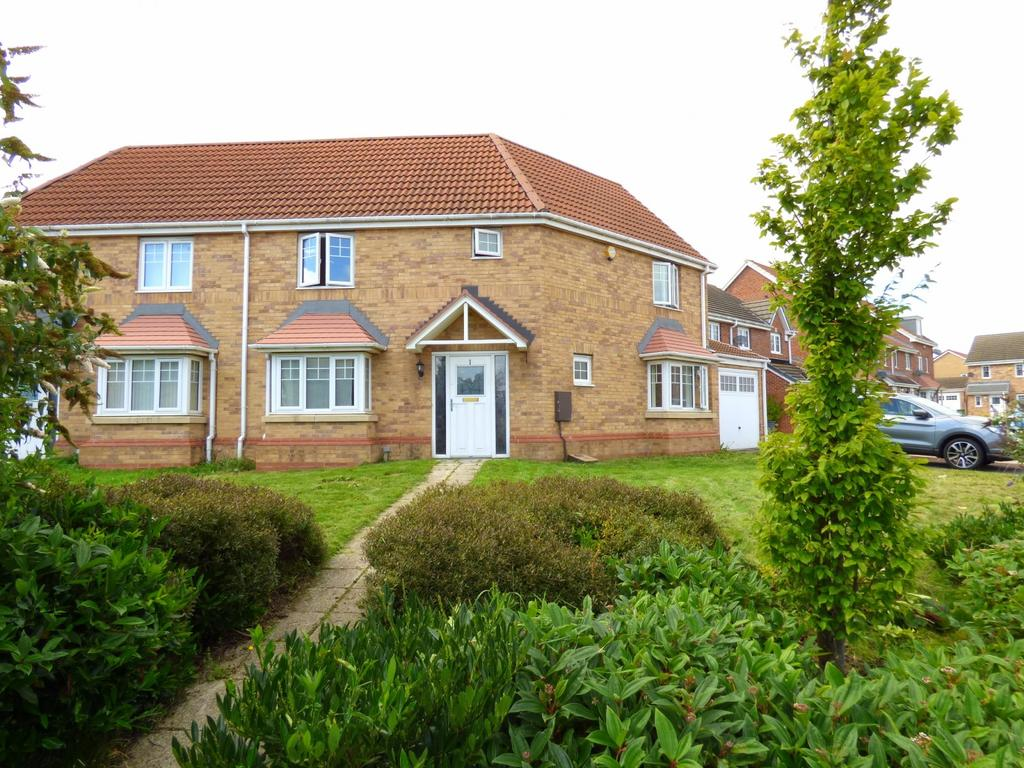3 Bedrooms Semi Detached House for sale in Bessemer Crescent, Stockton-On-Tees, TS19