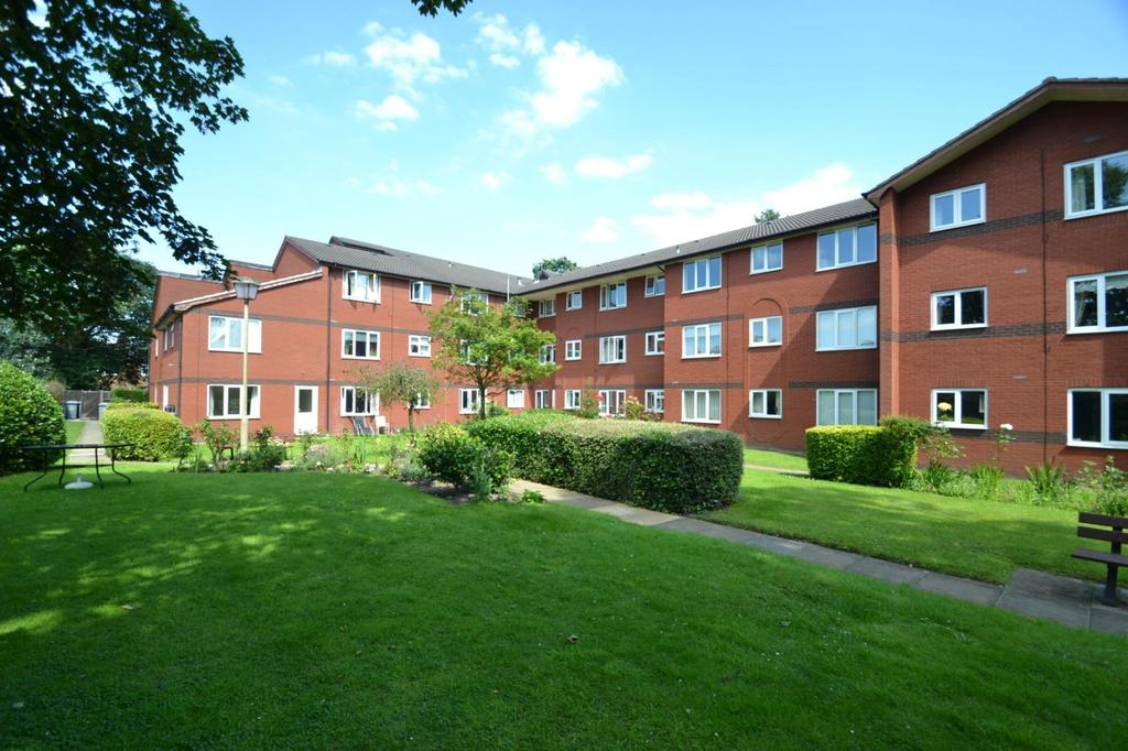 1 Bedroom Apartment Flat for sale in Woodhey Court, Alma Road, Sale