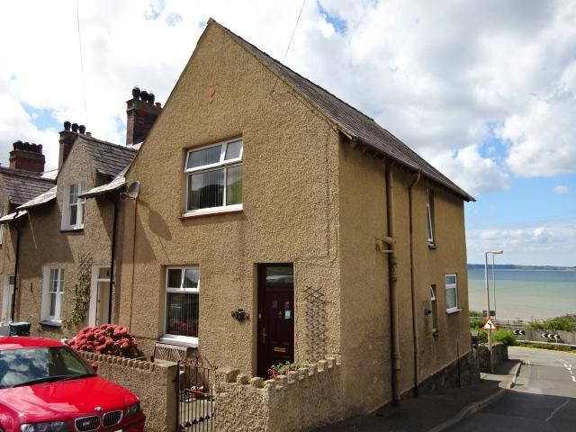 3 Bedrooms End Of Terrace House for sale in SOUTH STREET, LLANFAIRFECHAN LL33