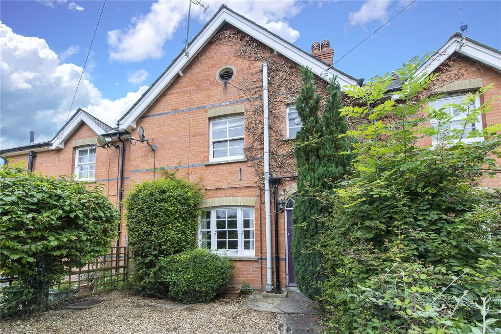 3 Bedrooms Terraced House for sale in The Cliff, Bryanston, Blandford Forum, Dorset