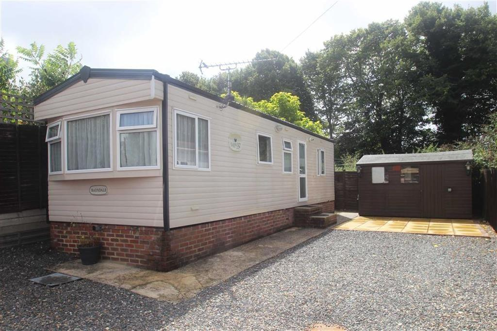 2 Bedrooms Park Home Mobile Home for sale in Dinsdale Field, Rustington, West Sussex