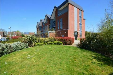 2 bedroom flat to rent - Green View Court, School Mead, ABBOTS LANGLEY, Hertfordshire