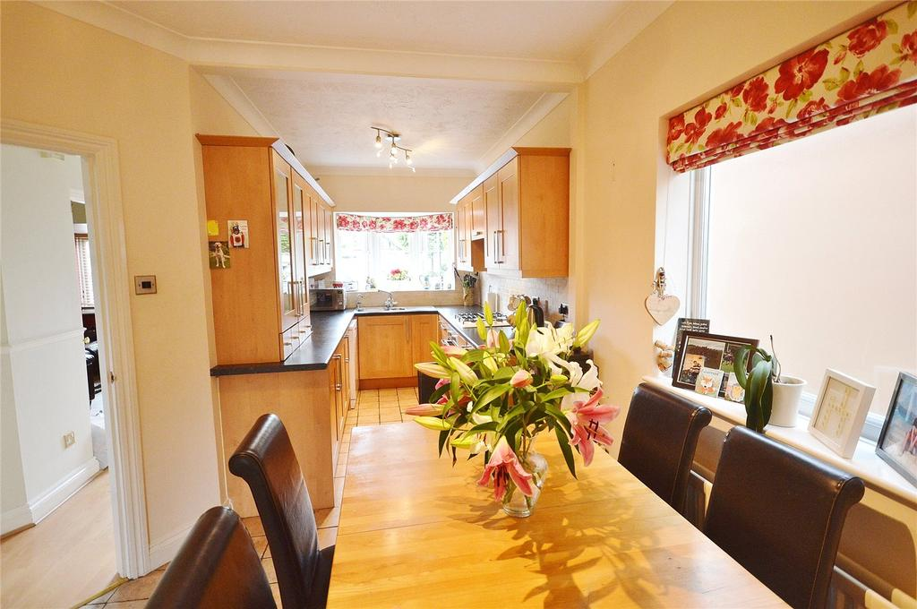 4 Bedrooms Detached House for sale in Oakwood Road, Bricket Wood, St. Albans, Hertfordshire, AL2