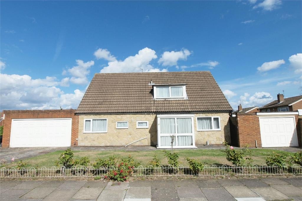 3 Bedrooms Chalet House for sale in Benenden Green, Bromley, Kent