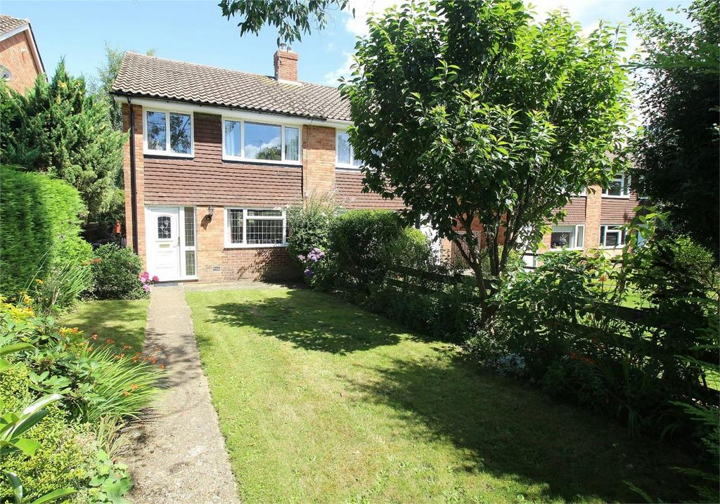 3 Bedrooms Semi Detached House for sale in 11 Birling Way, Uckfield, East Sussex