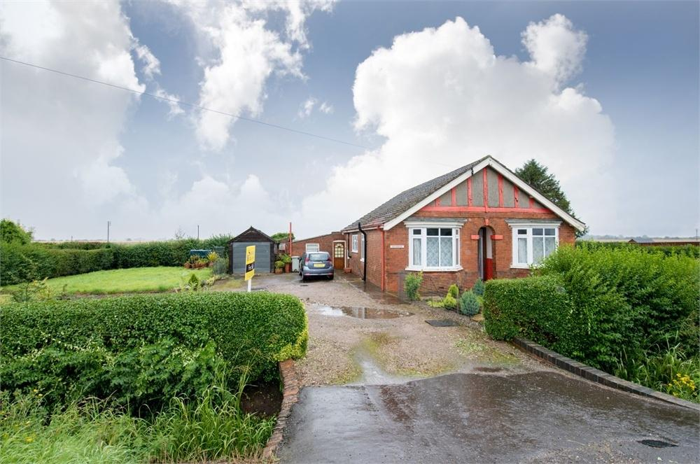 2 Bedrooms Detached Bungalow for sale in Main Road, New Bolingbroke, Boston, Lincolnshire