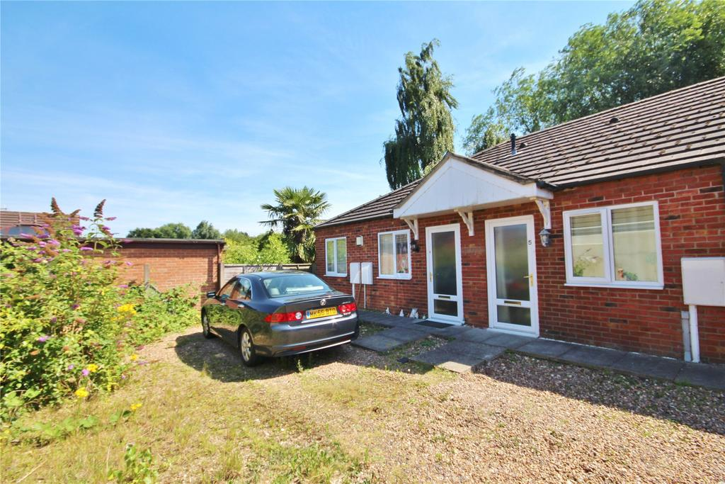 2 Bedrooms Bungalow for sale in Thyme Court, Lincoln, LN6