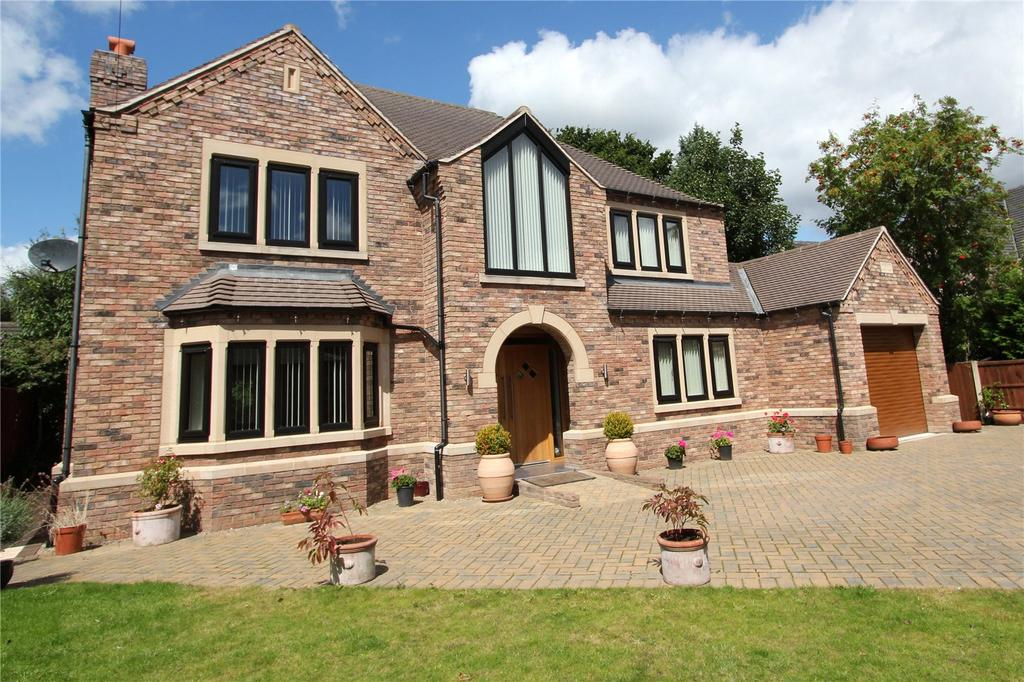 4 Bedrooms Detached House for sale in Warnington Drive, Bessacarr, Doncaster