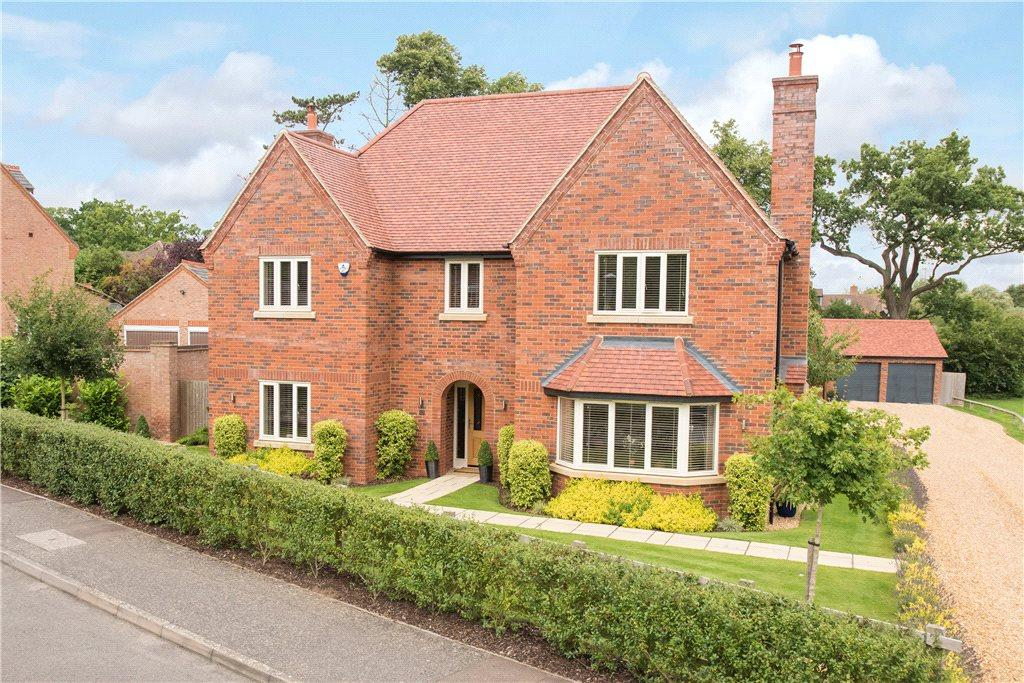 5 Bedrooms Detached House for sale in Chestnut Avenue, Bromham, Bedfordshire