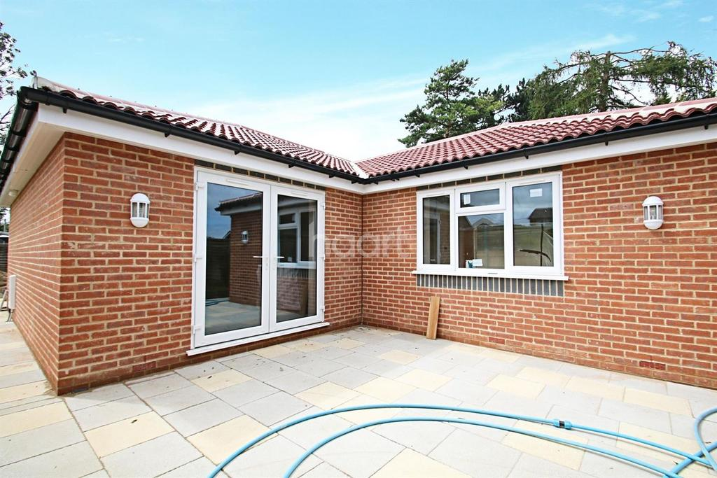 3 Bedrooms Bungalow for sale in Edward Road, Biggin Hill
