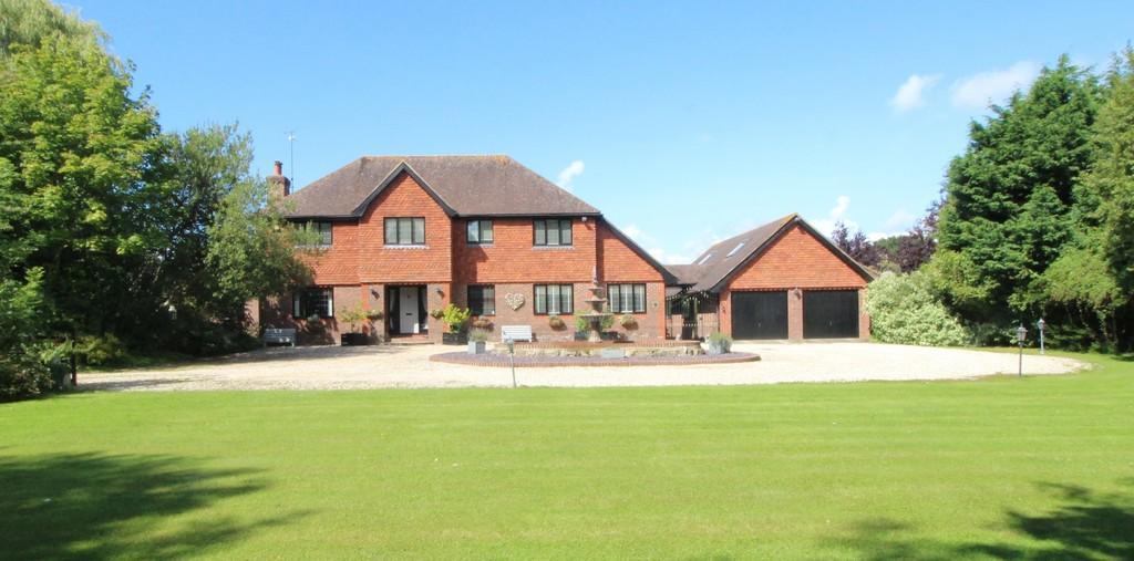 5 Bedrooms Detached House for sale in Billingshurst Road, Ashington