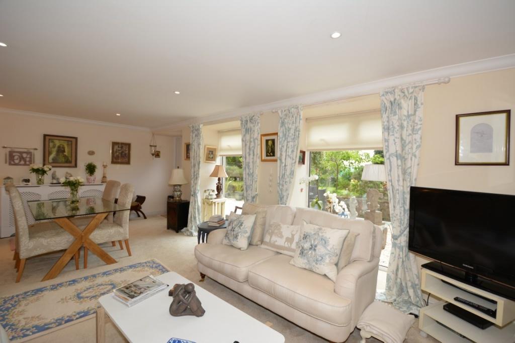 1 Bedroom Ground Flat for sale in 58A Shore Road, Skelmorlie, PA17 5DR