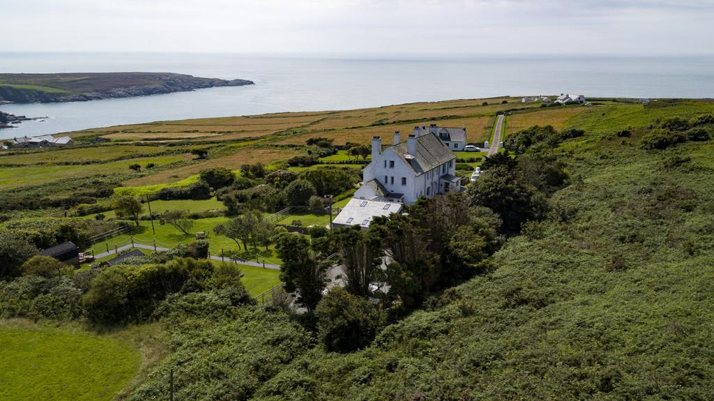 14 Bedrooms Detached House for sale in South Stack, Anglesey, North Wales