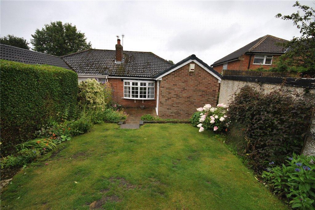 2 Bedrooms Semi Detached Bungalow for sale in Long Meadows, Bramhope, Leeds, West Yorkshire
