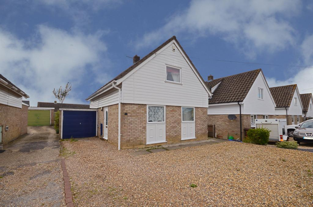 3 Bedrooms Chalet House for sale in Finderne Drive, Wymondham