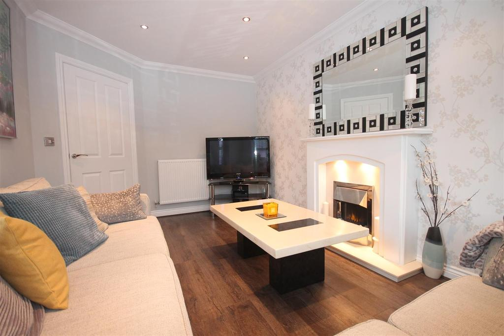 3 Bedrooms Detached House for sale in Stonebridge Crescent, Ingleby Barwick, Stockton-On-Tees