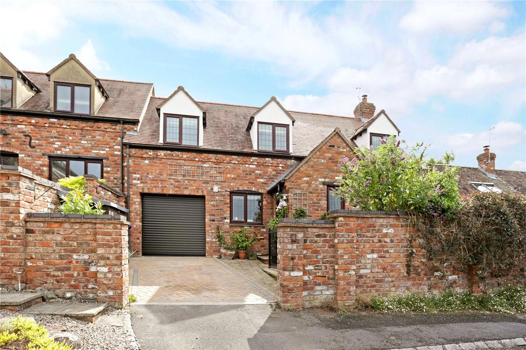 3 Bedrooms Terraced House for sale in Pound Close, Twyning, Tewkesbury, Gloucestershire, GL20