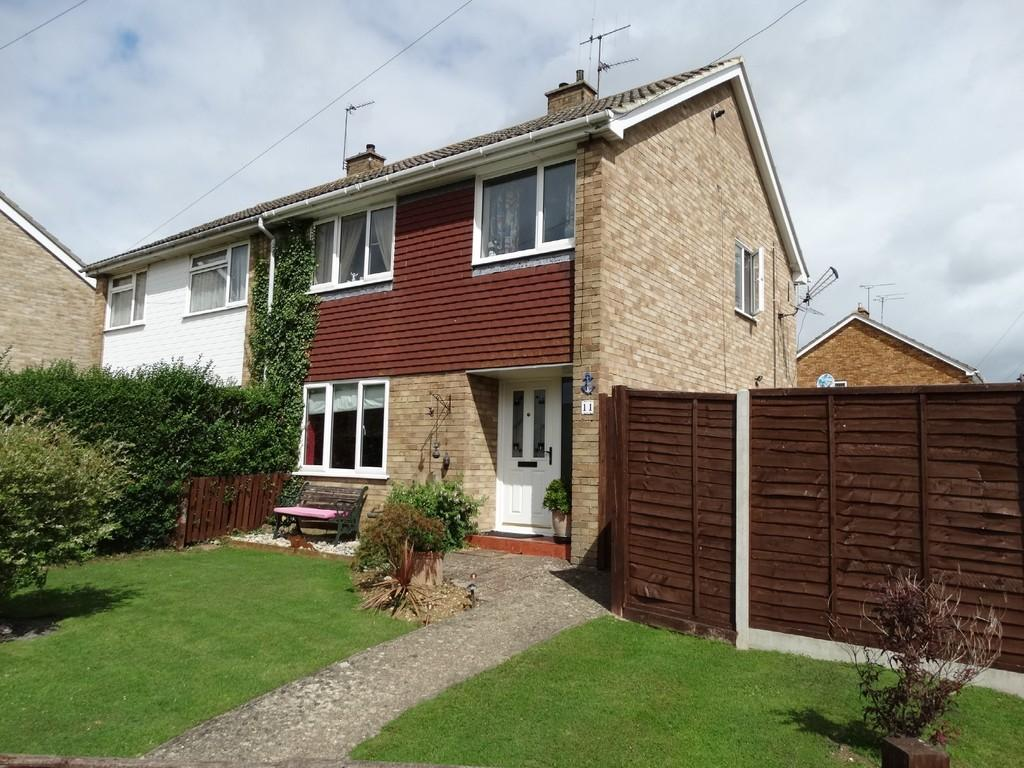 3 Bedrooms Semi Detached House for sale in Staplehurst, Kent