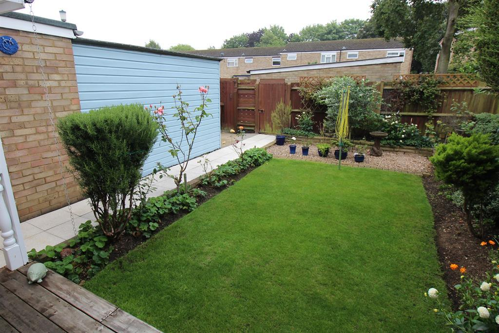 3 Bedrooms End Of Terrace House for sale in Torquay Crescent, Stevenage, SG1 2RQ