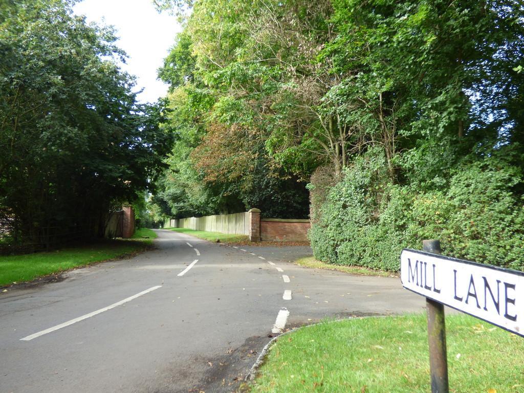 3 Bedrooms Detached House for sale in Mill Lane, Alveston, Stratford-Upon-Avon