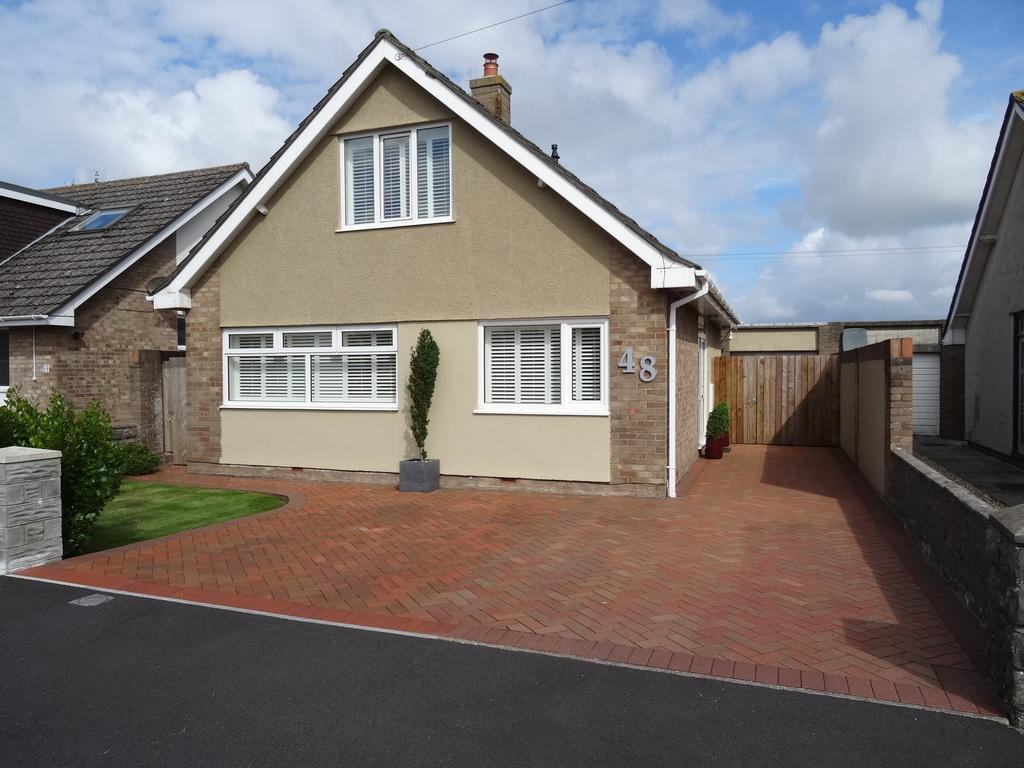 3 Bedrooms Detached House for sale in LONG ACRE DRIVE, PORTHCAWL, CF36 3SB