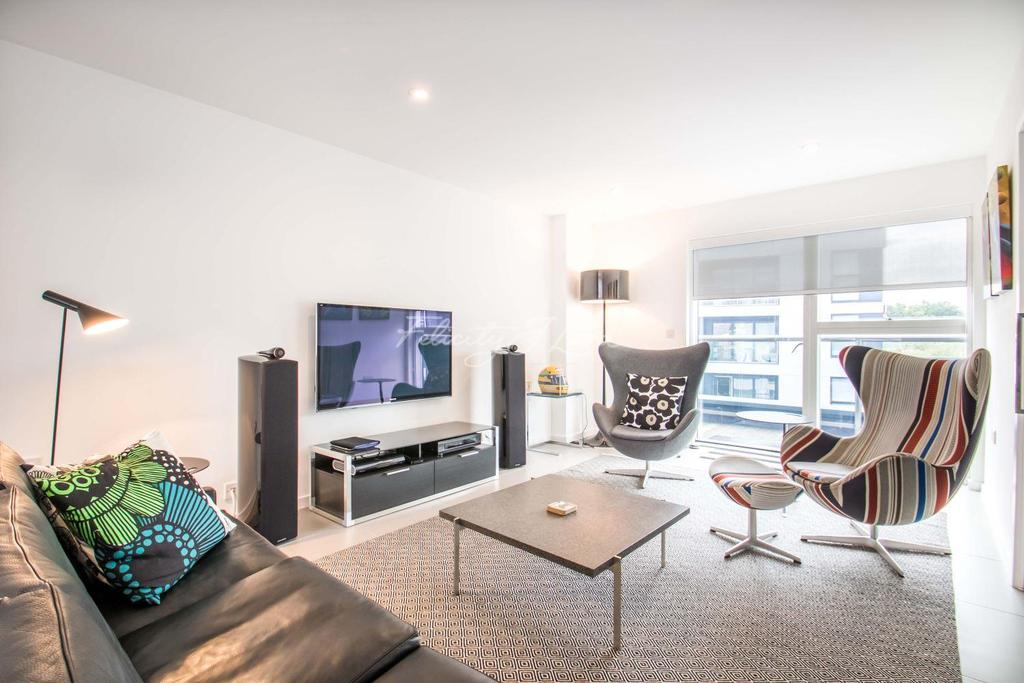 3 Bedrooms Flat for sale in Dance Square, EC1V