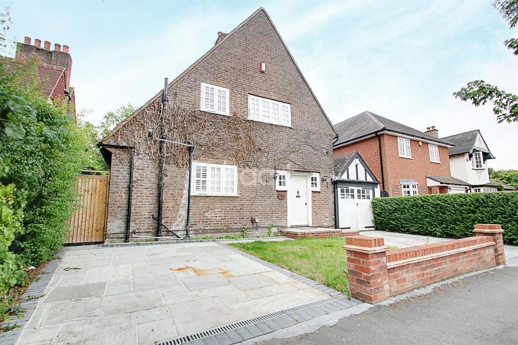 3 Bedrooms Detached House for sale in Risebridge Road, Gidea Park