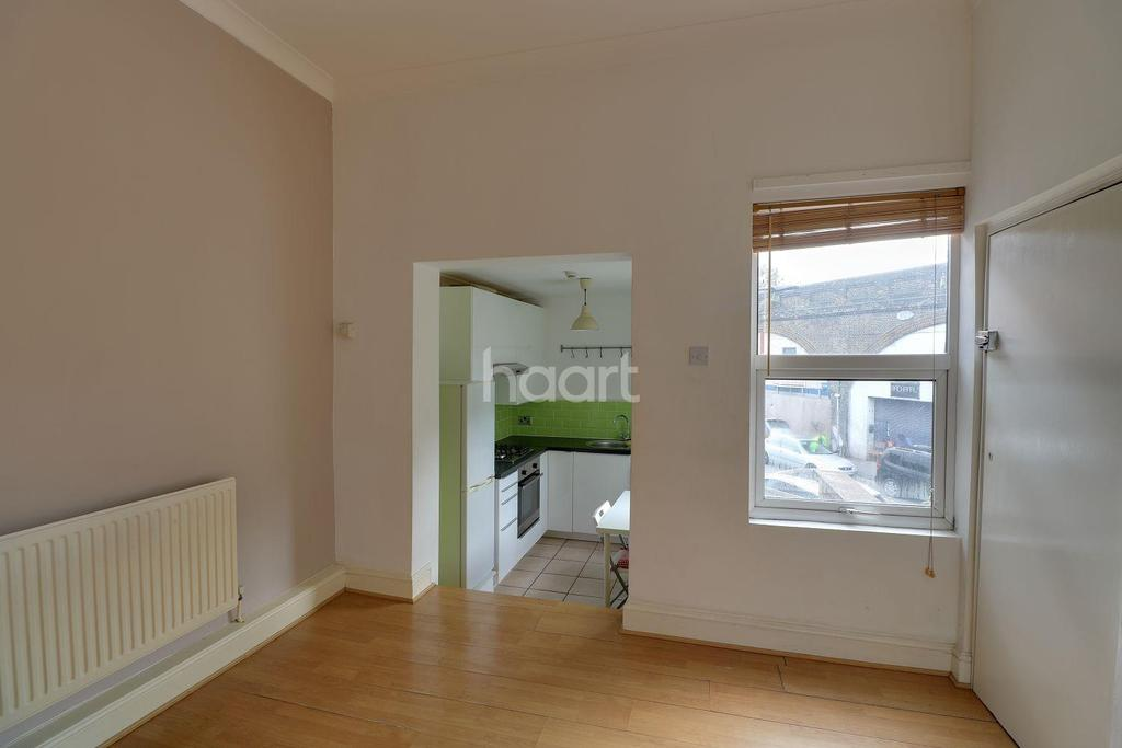 1 Bedroom Flat for sale in Moyers Road, Leyton